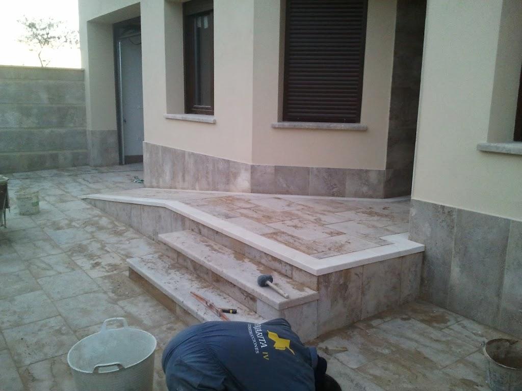 Entradas de casas con escaleras 62007 movieweb for Escaleras entrada casa